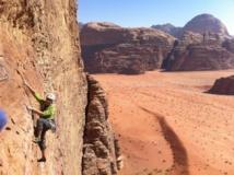 Escalade en Jordanie dans le Wadi Rum